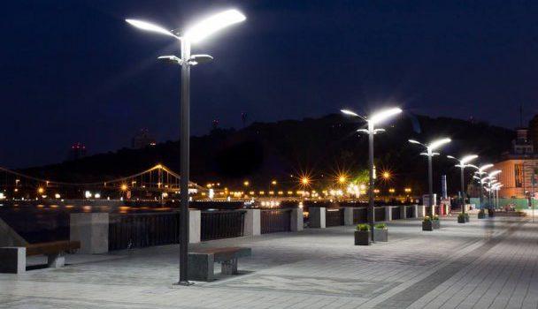 В Киеве планируется установить 65 тысяч лед-ламп